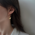 「order」butterfly hoop gold pierce p064