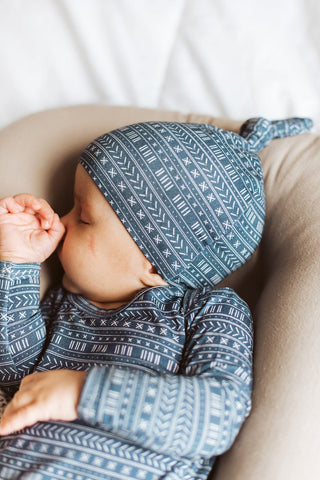 baby snuggles help lay foundations for healthy brain development