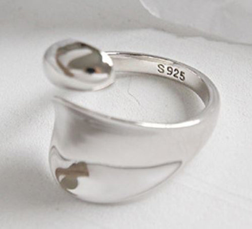 Frenelle_Jewellery_Rings_-_Marlee_Silver_2-close_SDU6CQDZ85BD.jpg