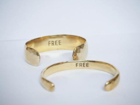 Free brass bracelet handmade from Santai.no