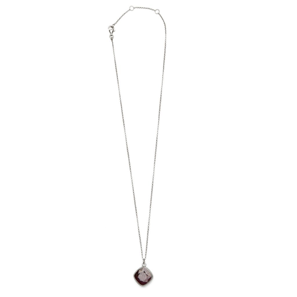 Dyed ruby necklace silver handmade from Santai.no