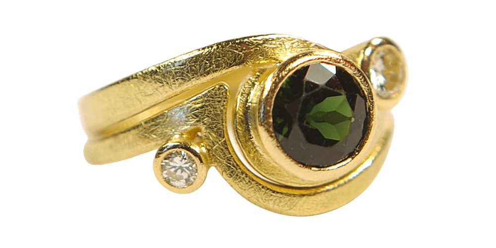 Meabhs Green Tourmaline And Diamond Fitted Wedding Ring Set In Yellow Gold