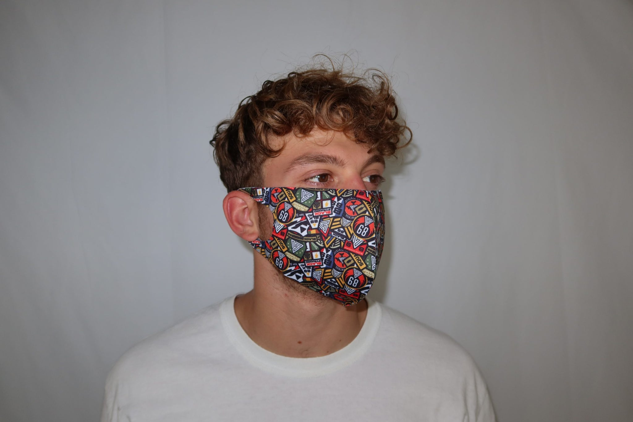 Black pyramid patch madness face mask