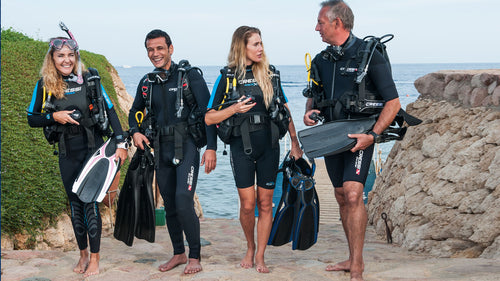 accessories every scuba diver should have