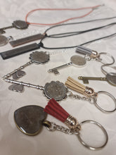 Load image into Gallery viewer, Memorial pendant/keyrings