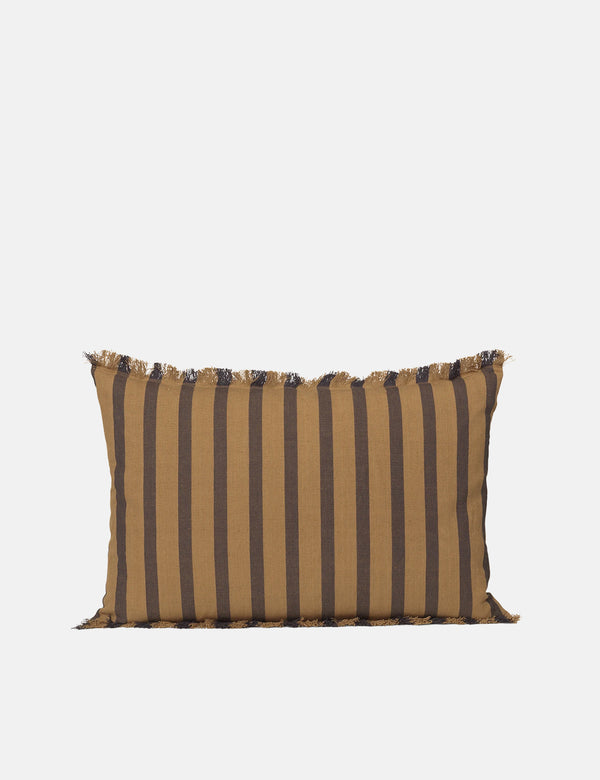 Ferm Living True Cushion (Rechteck) - Zuckertang/Schwarz