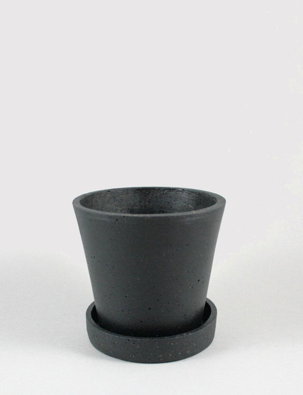 Hay Flower Pot with Saucer Medium - Black