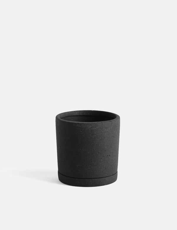Hay Plant Pot with Saucer (Medium) - Black