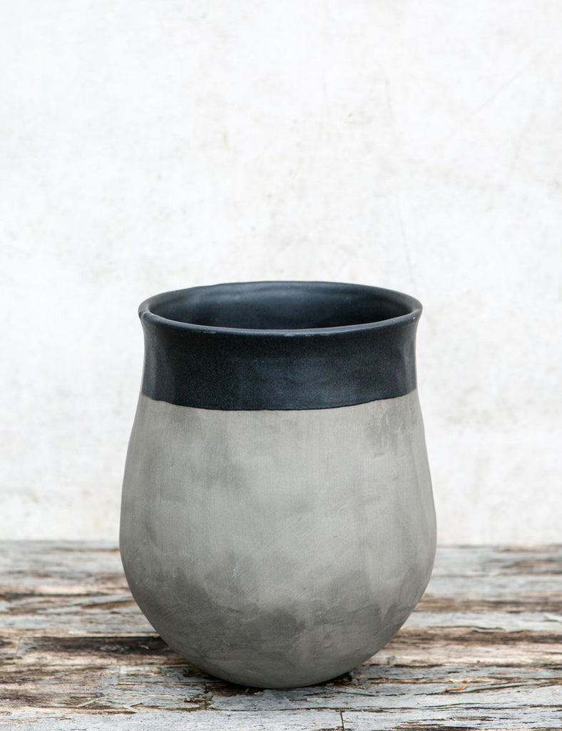 Dassie Artisan Earth Planter (Medium) - Graphite - Article