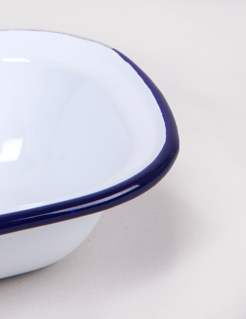 Falcon Enamelware Oblong Pie Dish (18cm) - White/Blue
