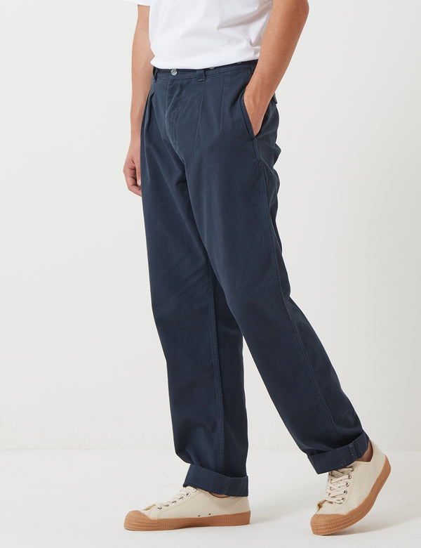 Nigel Cabourn Pleated Chino Trousers - Black Navy