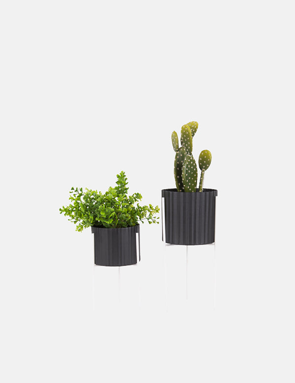 Present Time Stilt Plant Pot Set (Iron) - Black