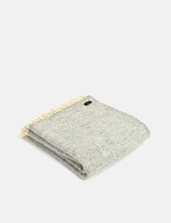 Tweedmill Fishbone Throw (150x183cm) - Silver Grey