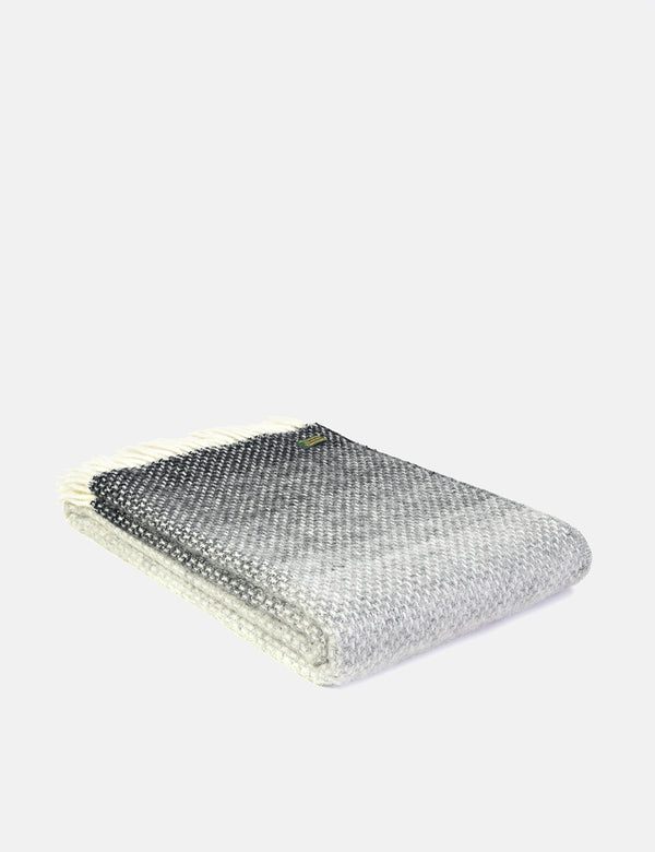 Tweedmill Throw (130 x 200 cm) - Ombre Pebble