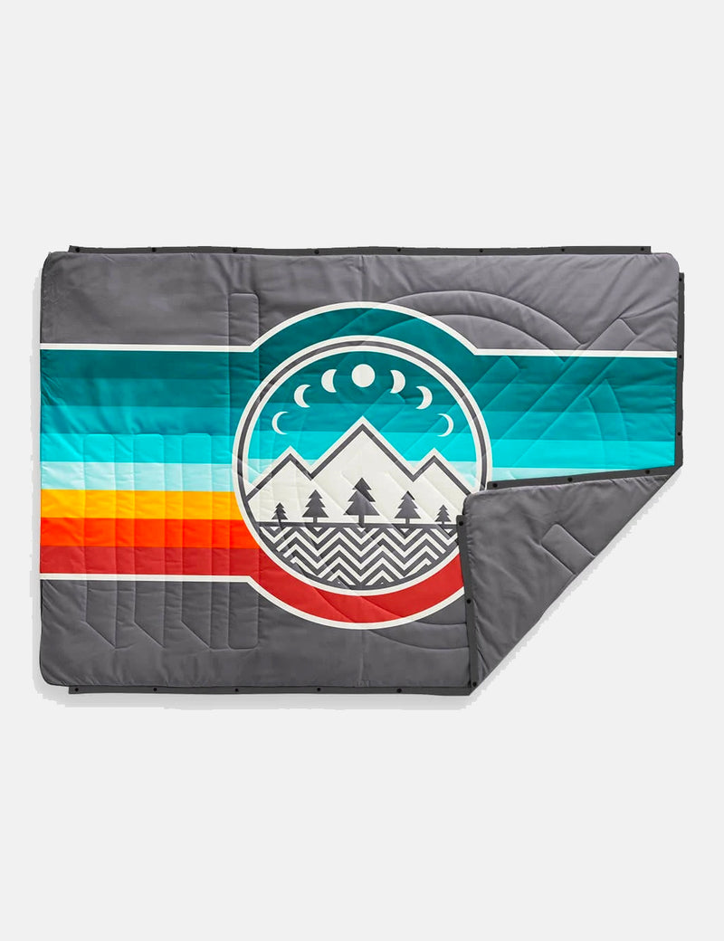 Voited Recycled Ripstop Outdoor Pillow Blanket - Camp Vibes