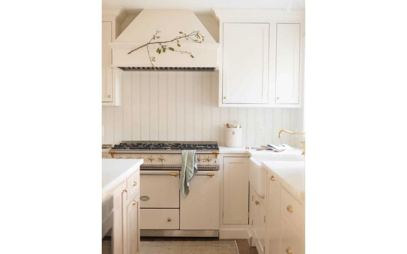 Elegant Simplicity in a Cream Colored Kitchen - Image by @julieblanner