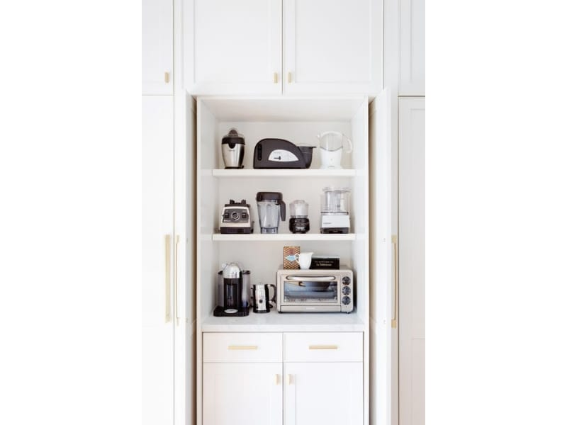 Alcove with Kitchen Appliances - Photo by Kitchengearoid.com