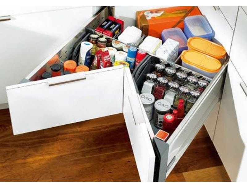 Use Corner Drawer Units for Snacks and Drinks