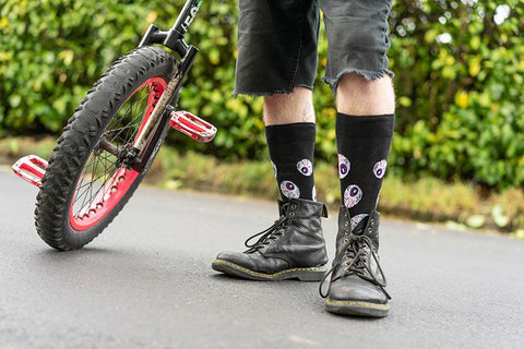 wearing socks with boots! should you do it?