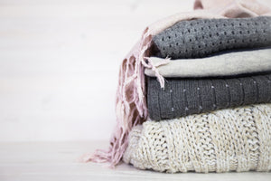 SWEATERS, KNITS, & CARDIGANS