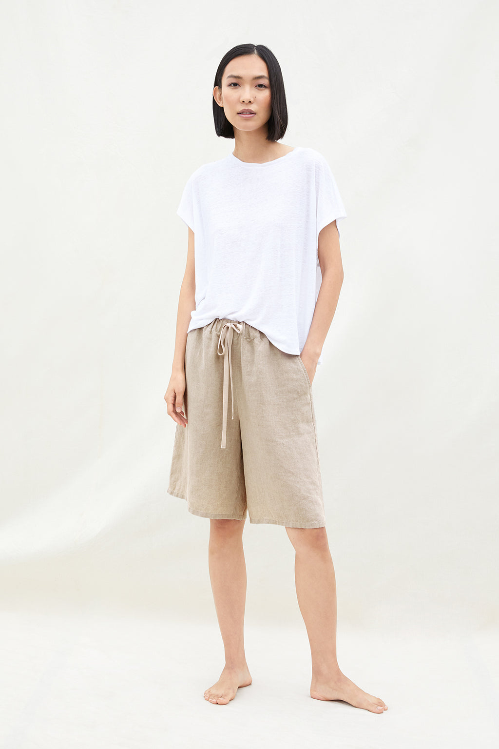 MID-THIGH SHORT W/DRAWSTRING