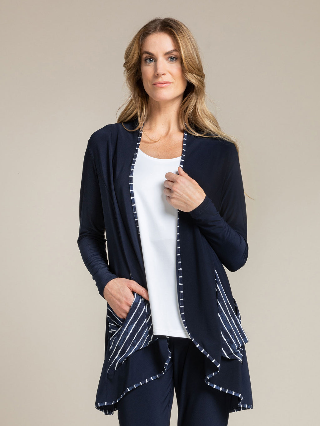 Sympli Outline Cardi, Pattern at Jophiel