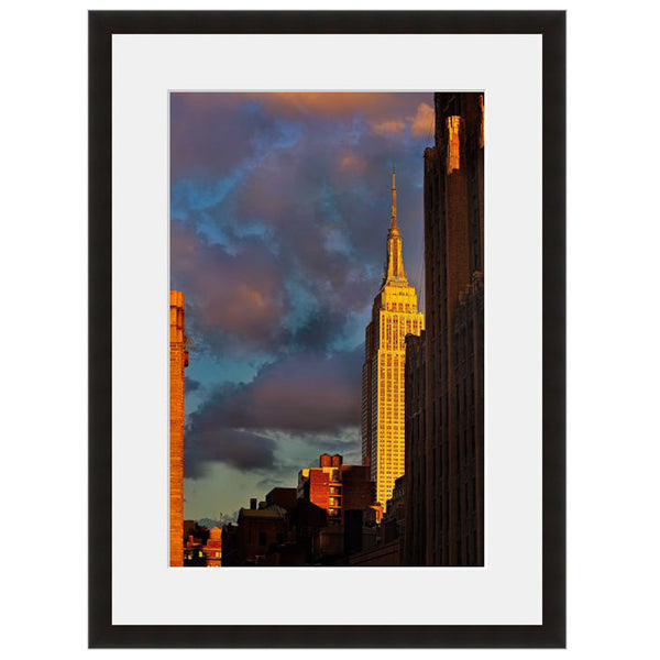 Image shown in Black Onyx frame with white mat. New York City, New York, Empire State Building, photographed by Vincent Versace.