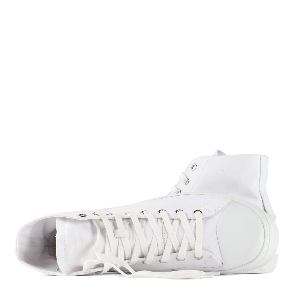 SIERKS in WHITE CANVAS