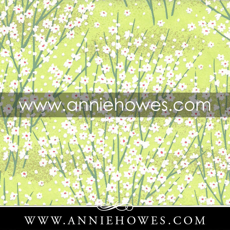 "Chiyogami Paper - Dainty White Flowers on Green 4"" x 6"" sheet. (024)"
