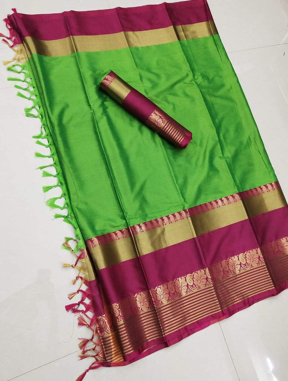 Didi Green & Pink Extraordinary Soft Cotton Silk Saree With Blouse Piece ( Shabanam-Green-Pink )