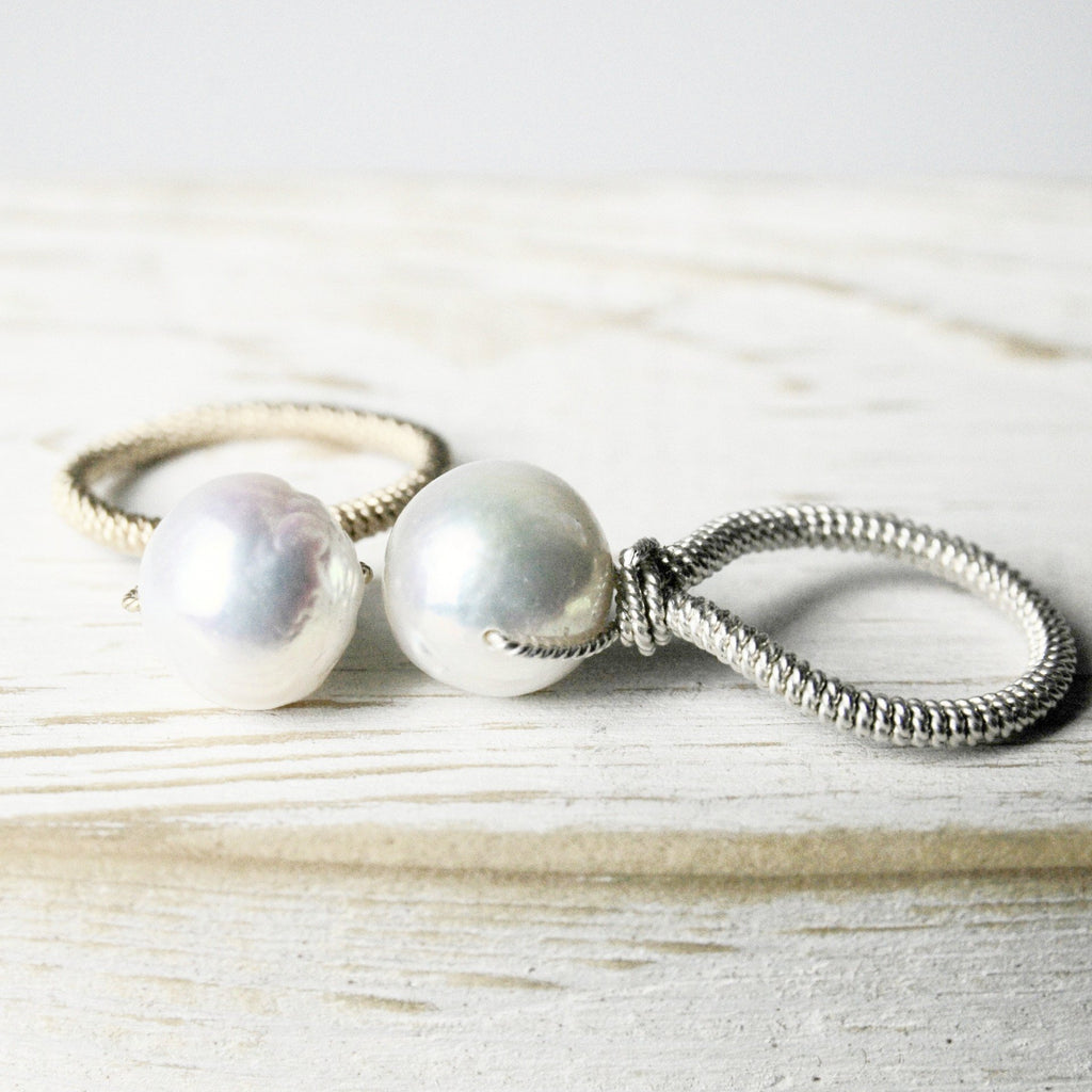Baroque White Pearl Ring