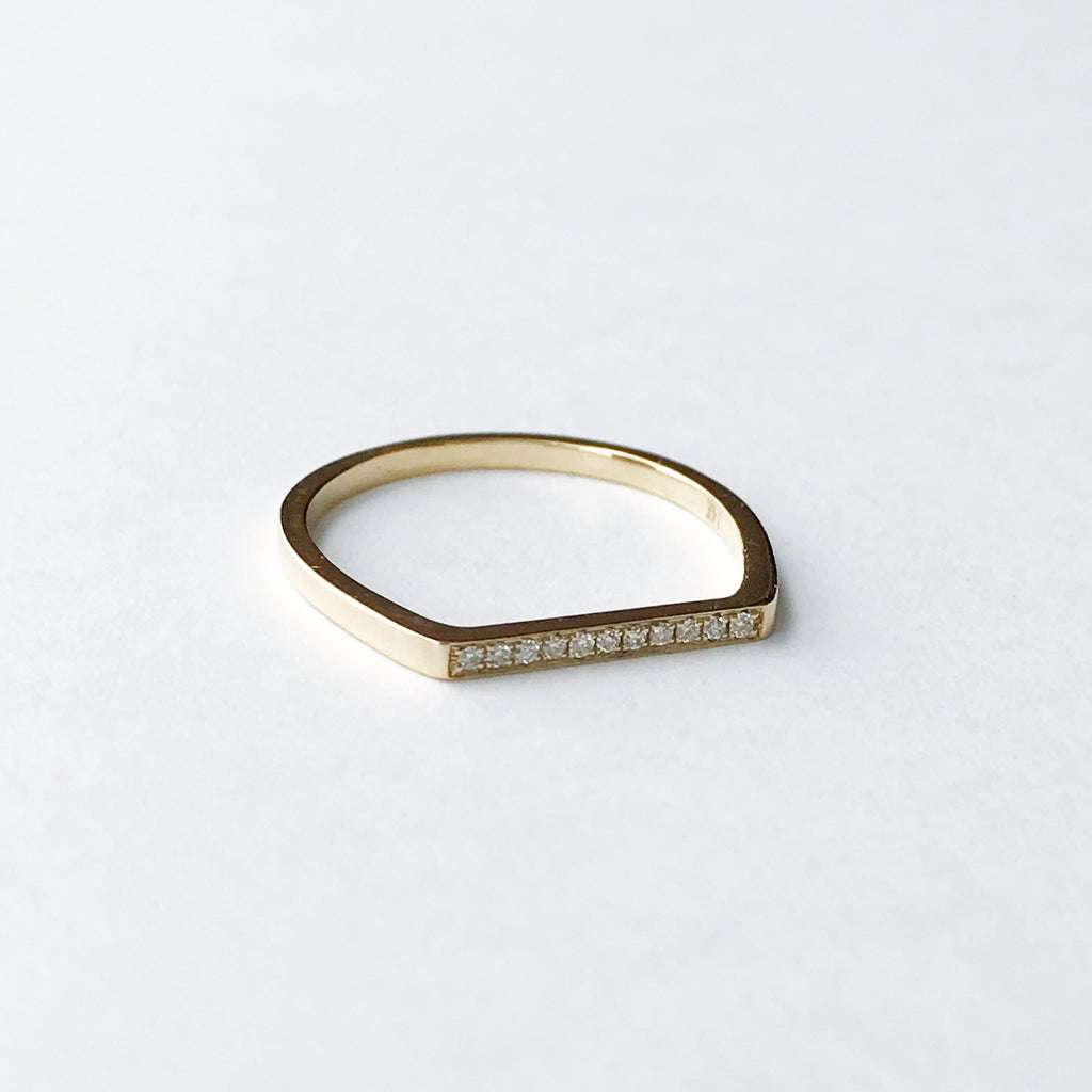 Diamond bar ring