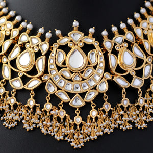 Necklace with Kundan and Pearls