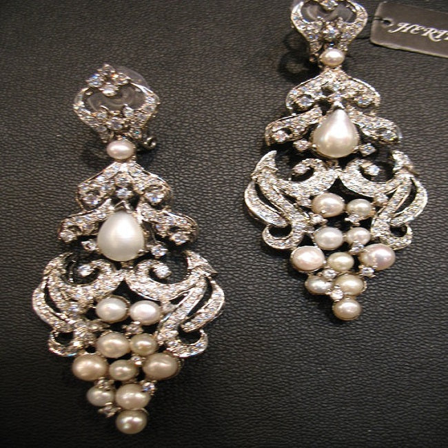 Earring with pearl and zircon-0