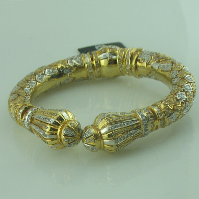 bangle with zircon-0
