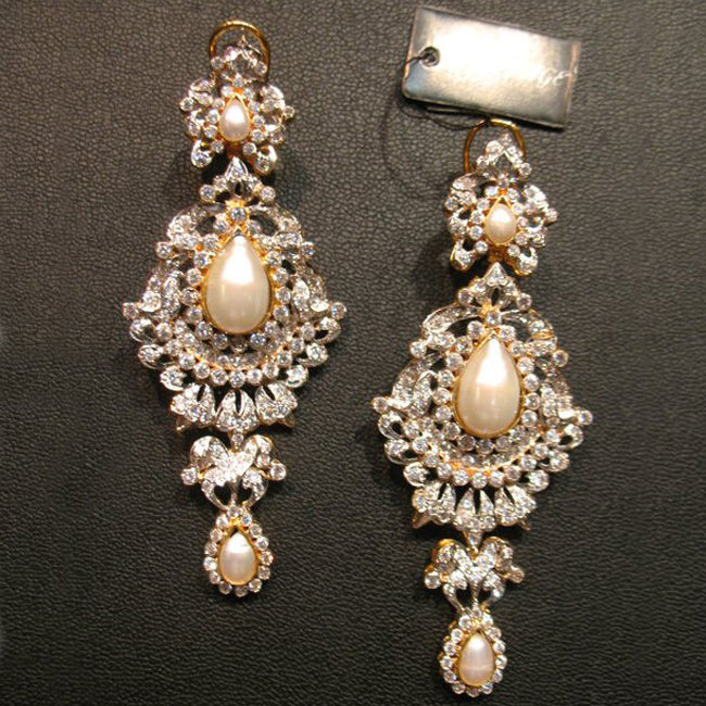 earings in pearls-0