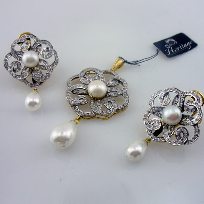 Pearl locket set-0