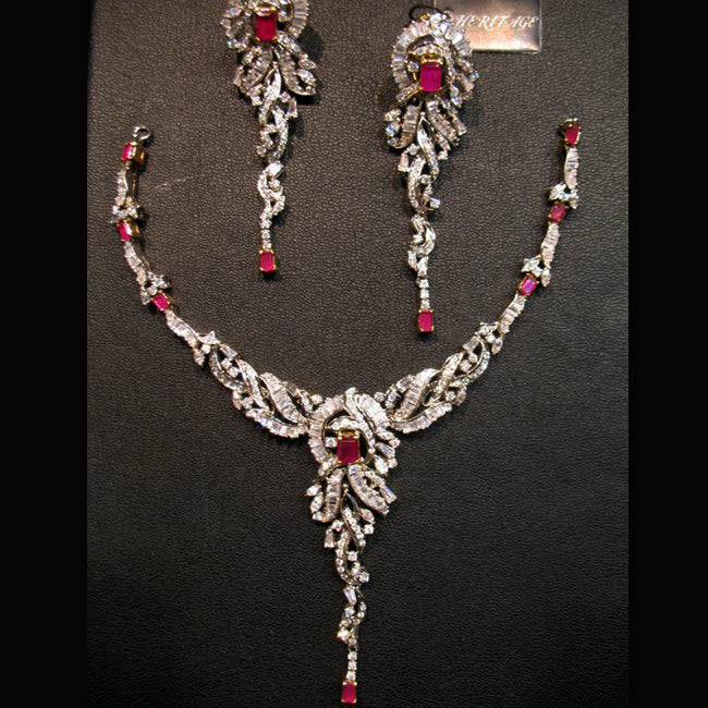 Necklace set in chetum.-0