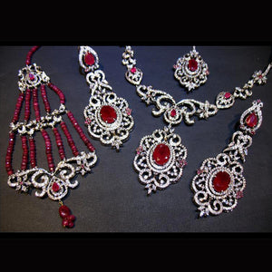 Necklace set in chetum-0