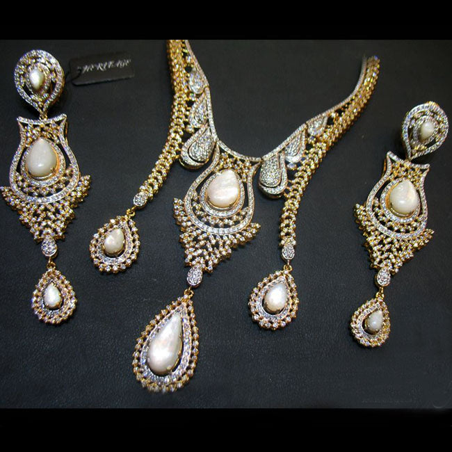 Necklace set in Mother of pearls-0