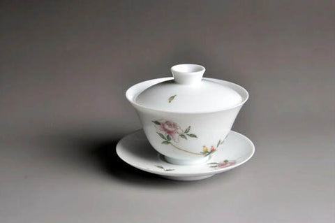 Youzhongcai glazed gaiwan with colorful flower painting