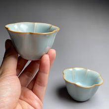 Load image into Gallery viewer, Pair of Matching 30ml Six Lobed Ruyao Sky Blue Teacups, 天青汝窑茶杯