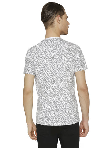 Print T-shirt with Cross Pocket.