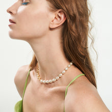 Load image into Gallery viewer, Baroque asymmetric necklace