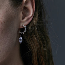 Load image into Gallery viewer, Half round rivet crystal diamond earrings
