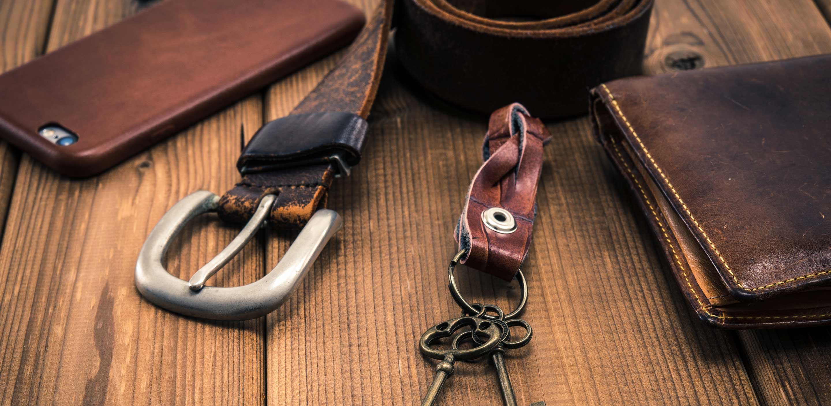 Advantages of Distress Leather
