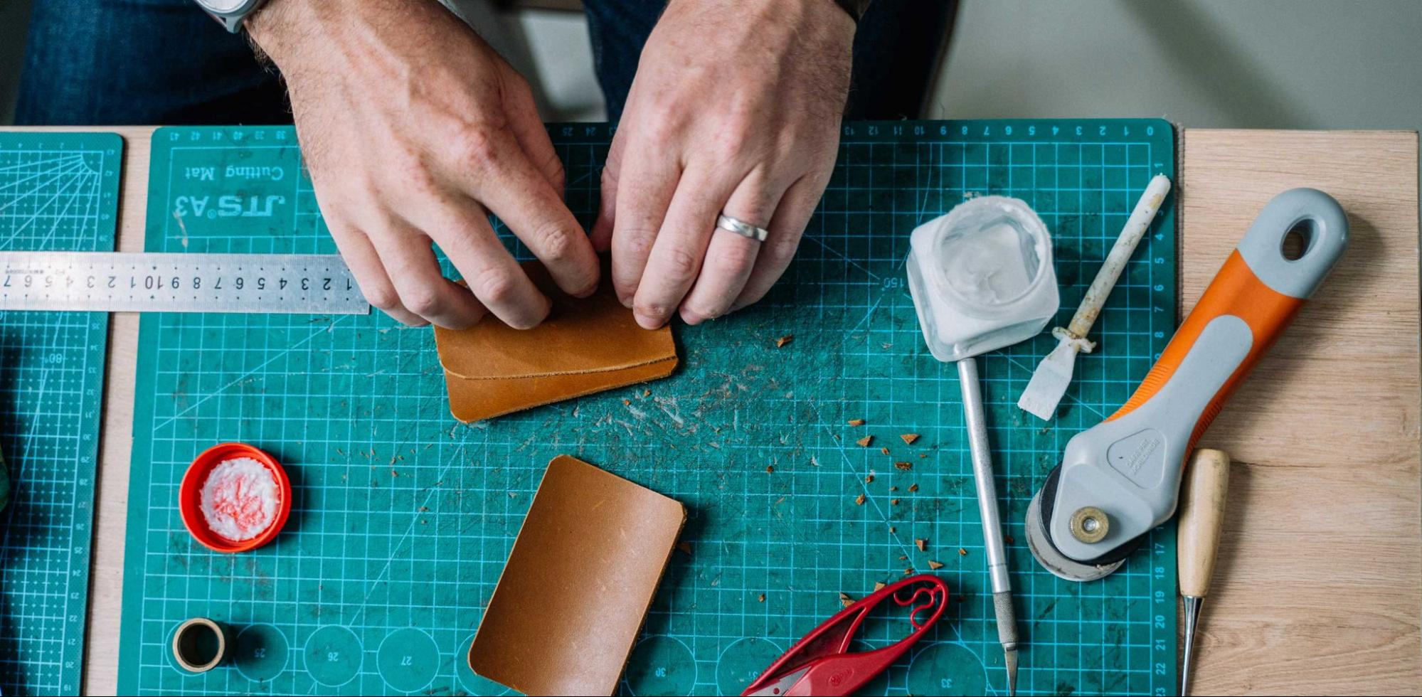 Best Glue for Leather Jackets, Shoes, Bags and Furniture
