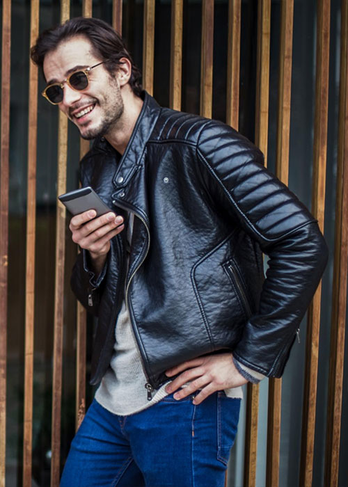 9 Rules to Follow When Wearing a Leather Jacket - Let The Front Open In Summer