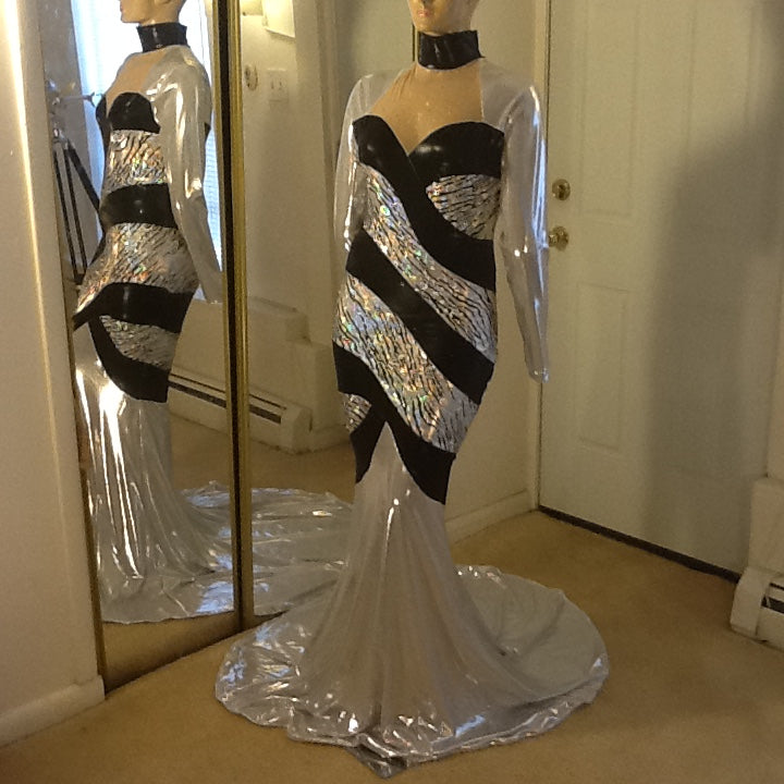 SILVER AND BLACK HOLOGRAM SPARKLE STRETCH DRESS!