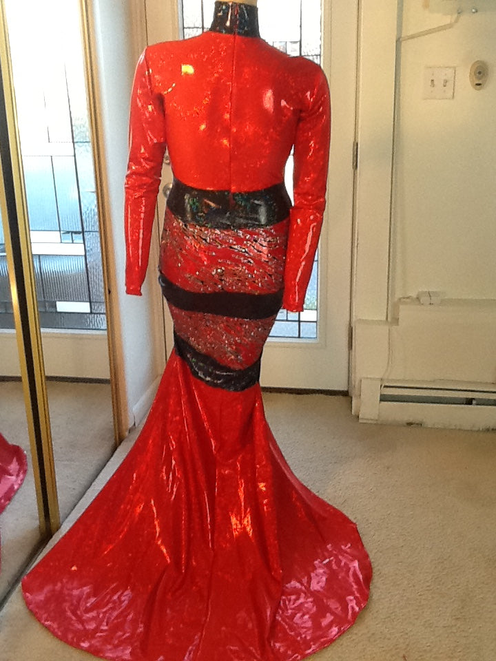 RED AND BLACK SPARKLE STRETCH DRESS!